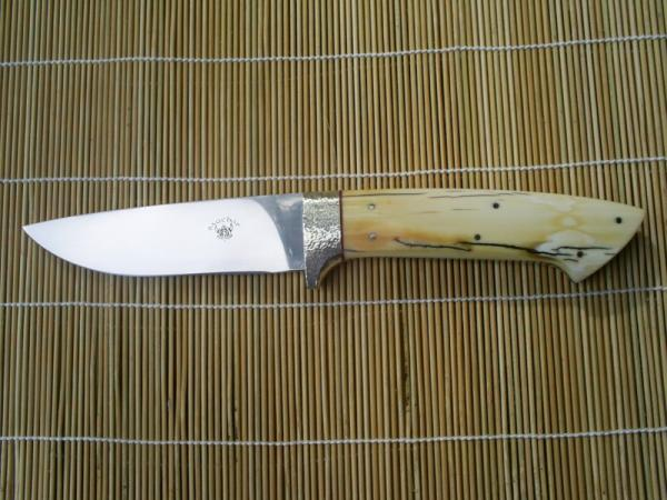 hunting-knife-